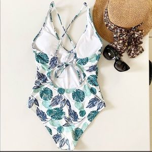 Cupshe Swim - CUPSHE TROPICAL LEAVES ONE PIECE SWIMSUIT